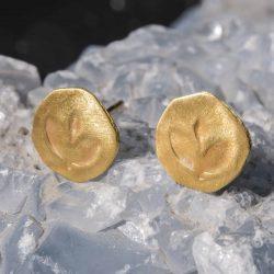 זוג עגיל הטבעה עלה זהב 22k
