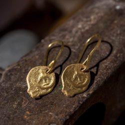 עגיל מטבע זהב 22k