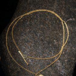 שרשרת עם תליון דיסקית פיתה זהב 22k