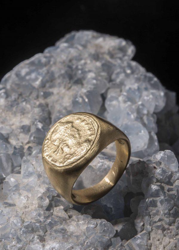 טבעת חותם מטבע 18K