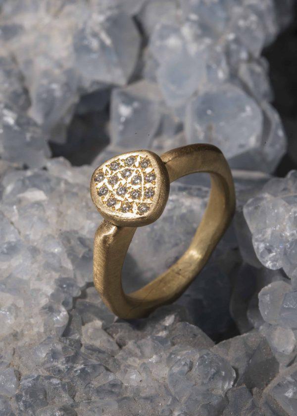 טבעת משולש זהב 18k