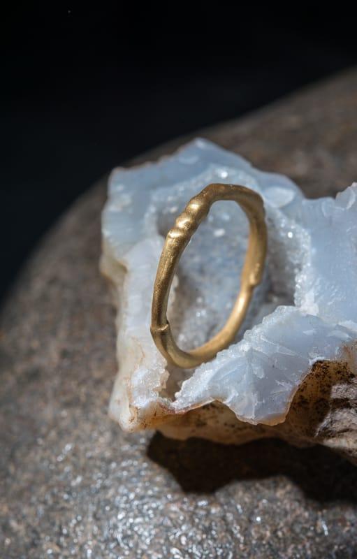 טבעת במבוק זהב 22k