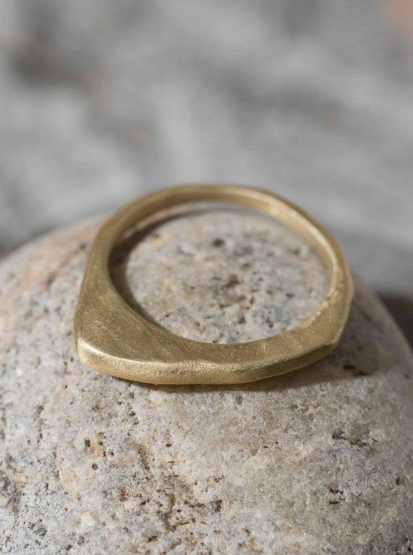 טבעת פרוסה נמוכה זהב 18k