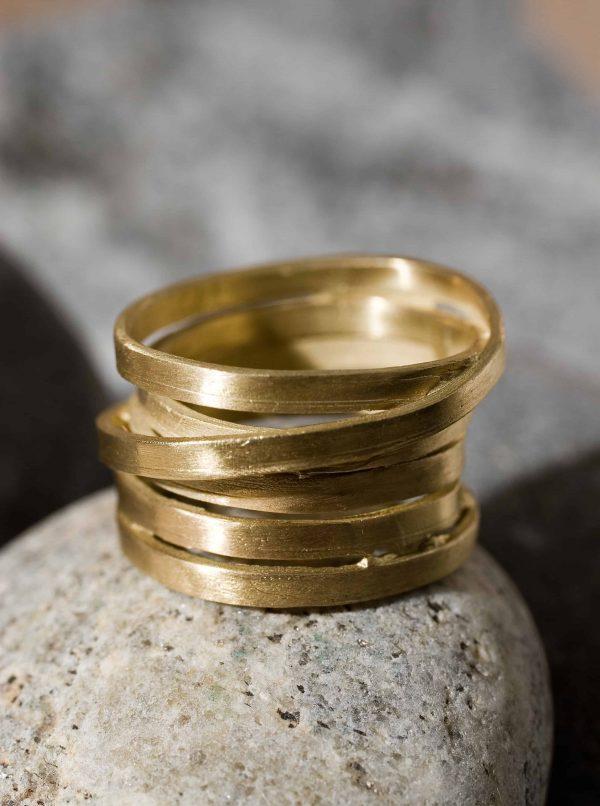 טבעת מלופפת זהב 18k