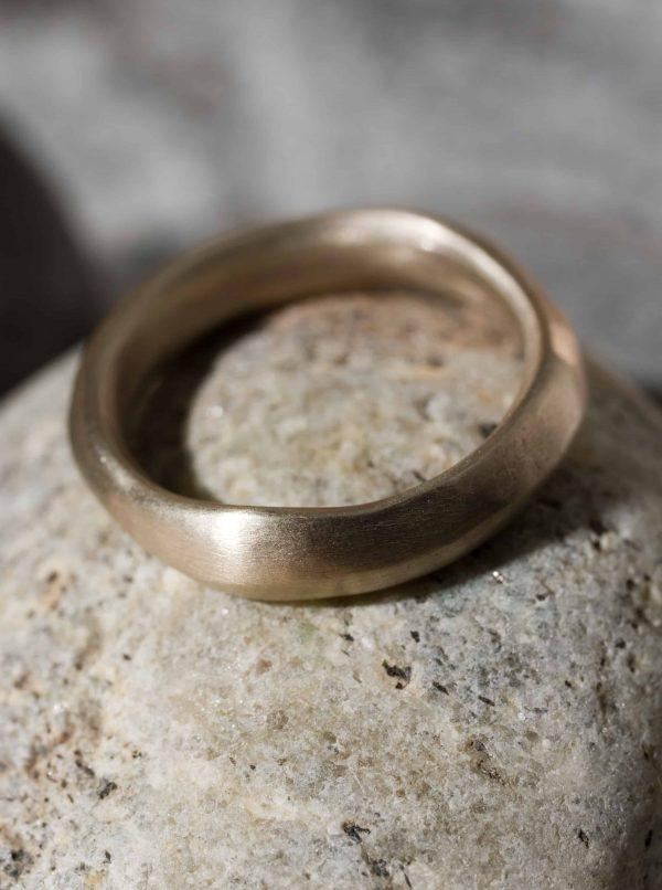 טבעת פזל זהב 18k