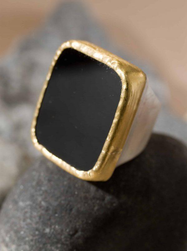 טבעת חותם מלבן אוניקס כסף בשילוב זהב