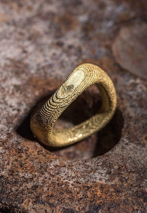 טבעת עין של עץ זהב 18k
