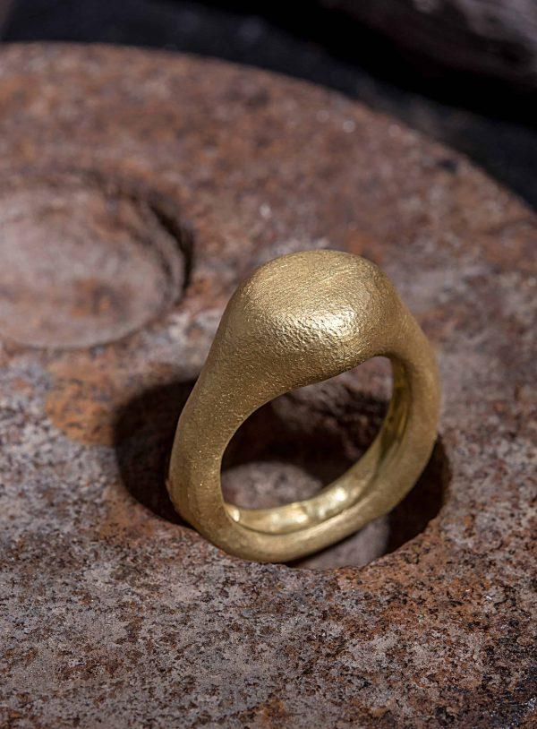 טבעת חותם עגול 18k