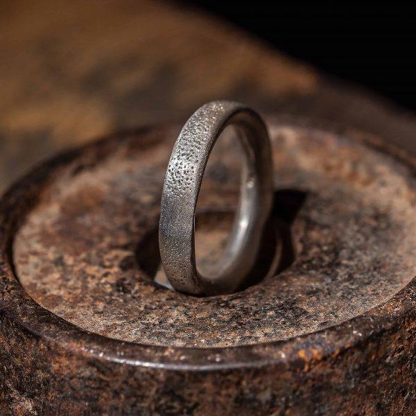 טבעת מחוררת