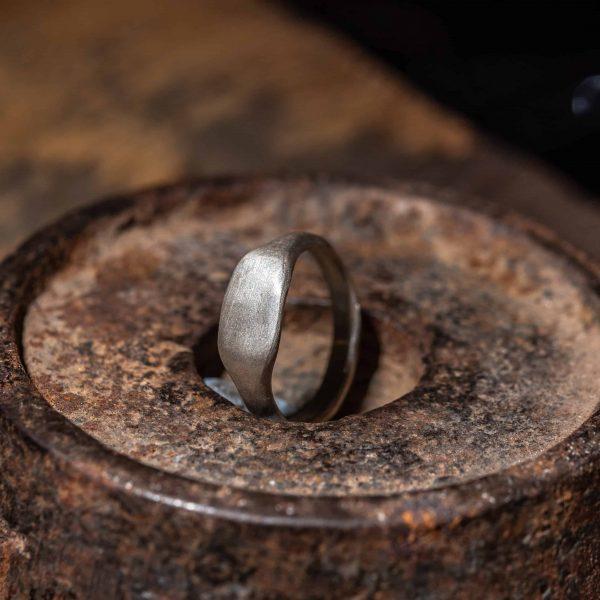 טבעת חותם מלבן אורכי