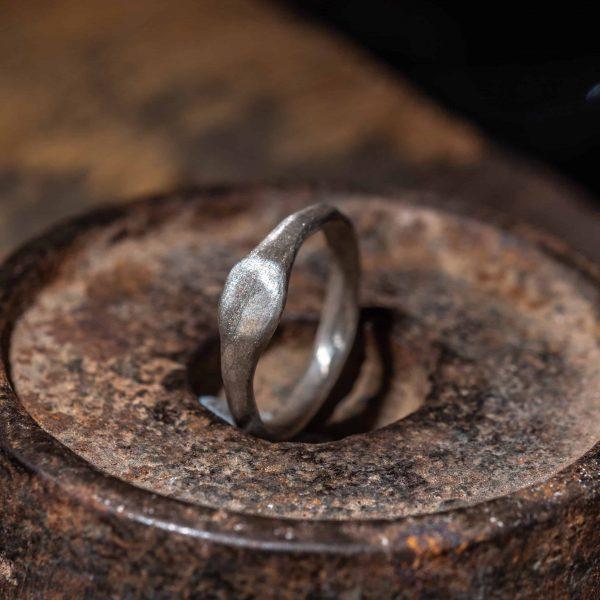 טבעת חותם עגולה